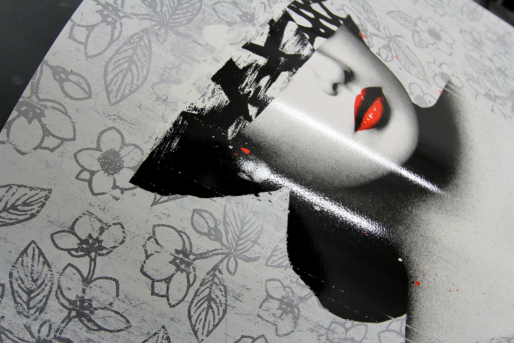 Le Buste III (SILVER)  by Hush