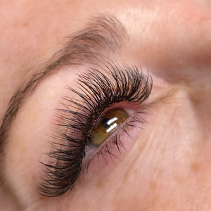 Glamour (Hybrid) Lash Extensions