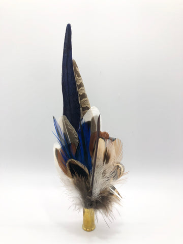 Harris End Feather Pin: Natural & Midnight