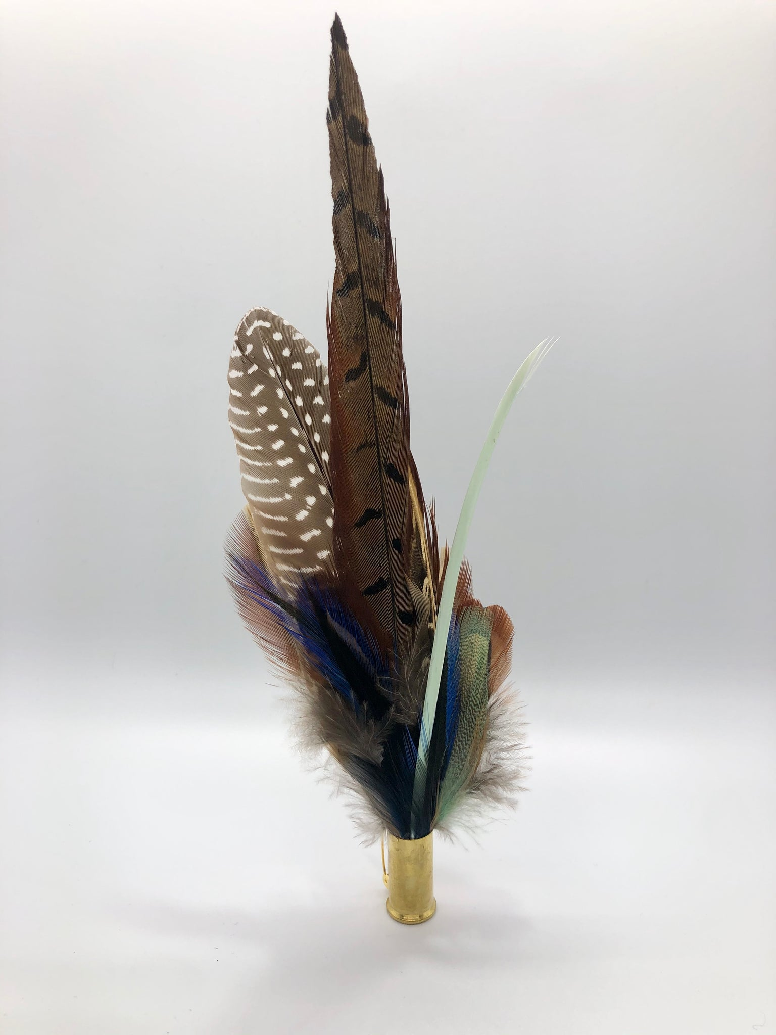 Harris End Feather Pin: Natural, Mint & Midnight