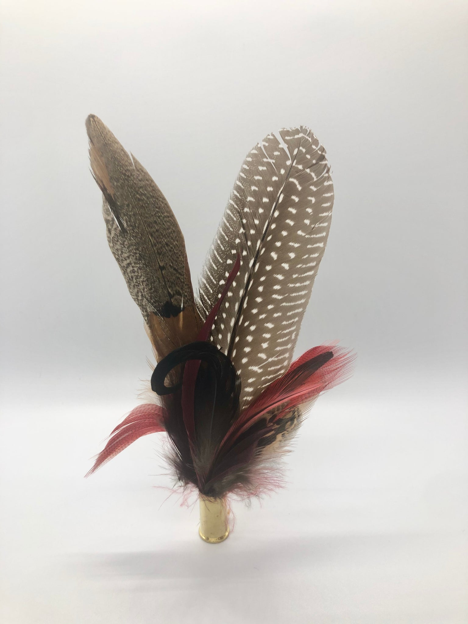 Harris End Feather Pin: Natural & Berry