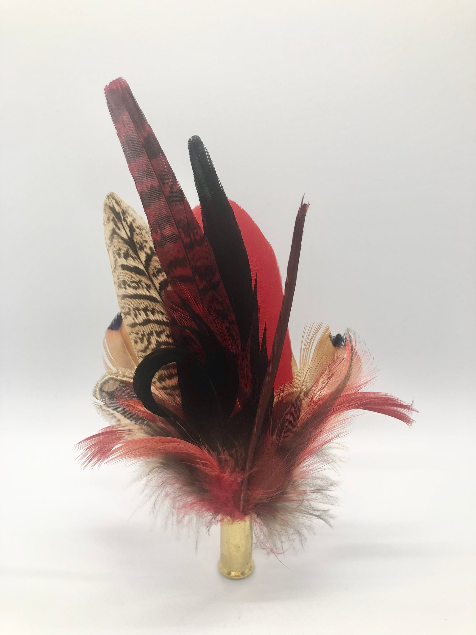 Harris End Feather Pin: Natural & Cranberry