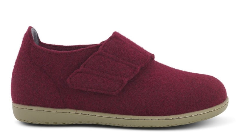 New Feet Red felt slipper