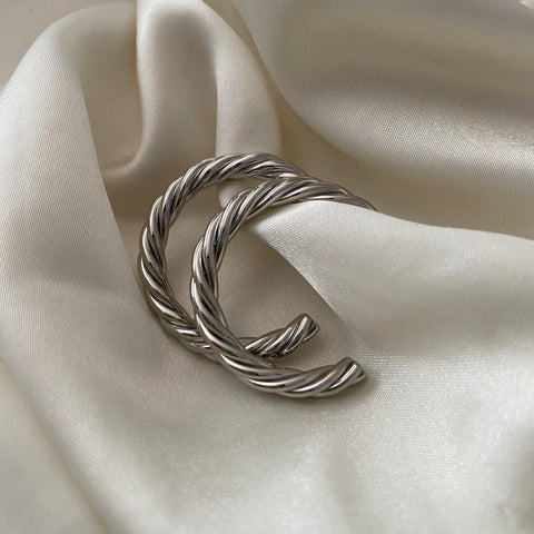 tegan twisted hoops - silver
