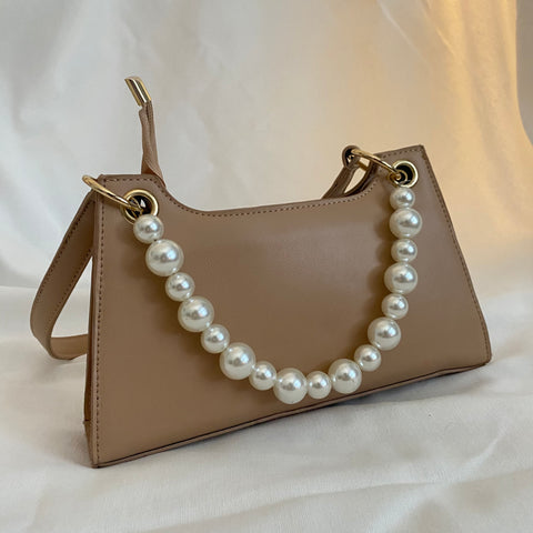 beige b shoulder bag