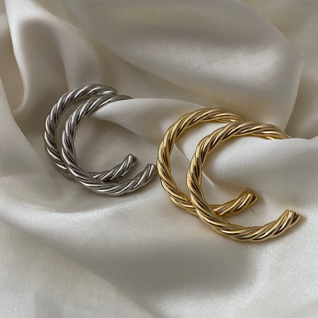 tegan twisted hoops - gold