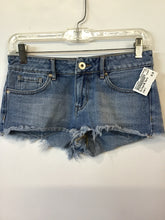 Load image into Gallery viewer, Bullhead Shorts Sz. 1