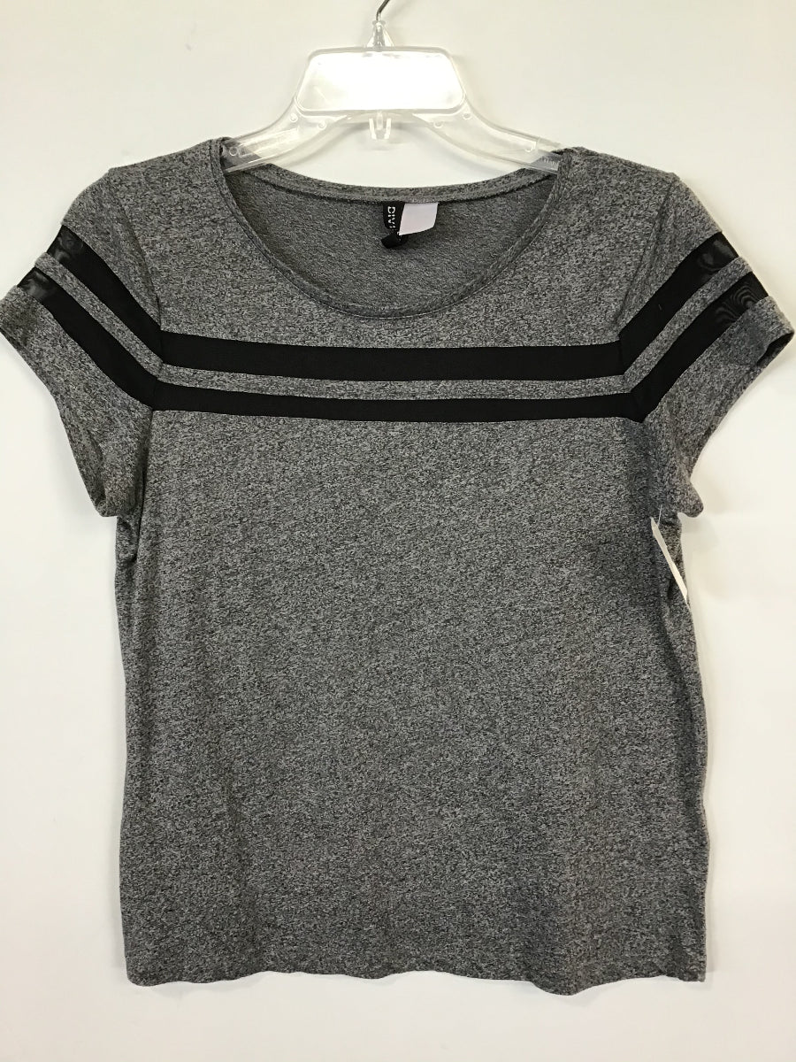 Divided Tops  Sz. S