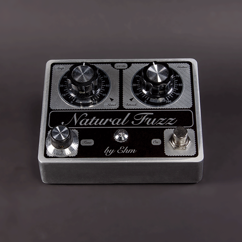Natural Fuzz Pedal Vorderseite Metall | EHM