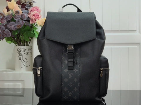 LV OUTDOOR BACKPACK 2021LV-BP210