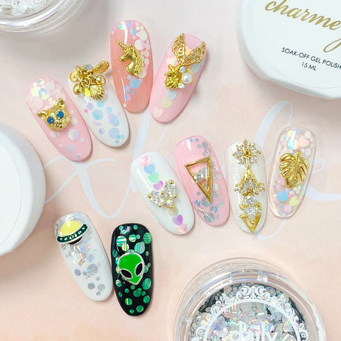 Seaside Cluster / Gold Pearl Starfish Seashell Nail Art for Summer Manicures