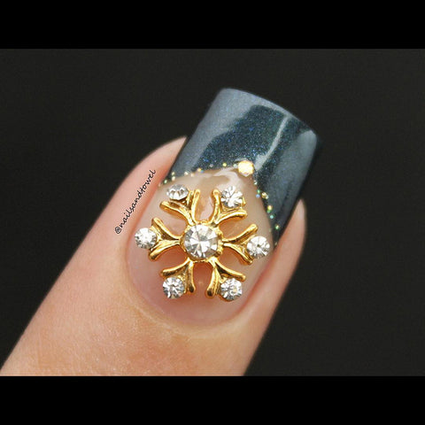 Holiday Nail Art Decoration - Snowflake / Gold