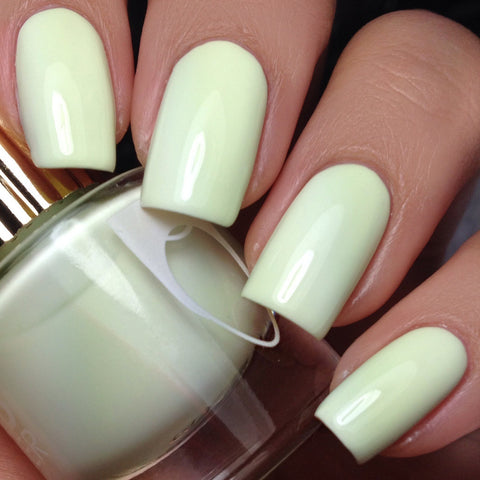Floss Gloss Nail Polish / Glowstar
