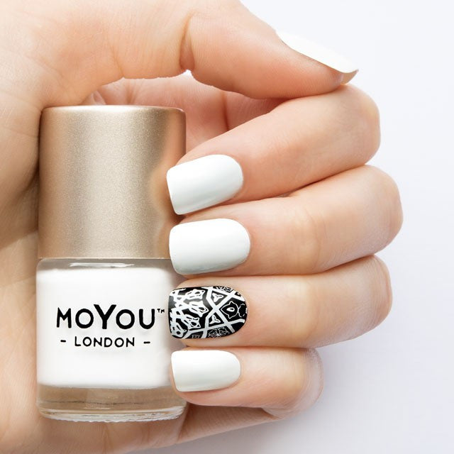 Moyou London / Stamping Nail Lacquer / White Knight