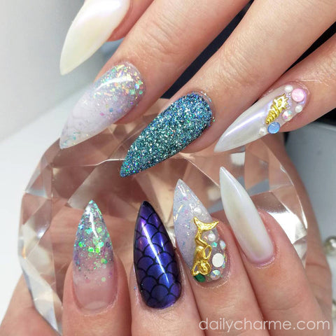 Daily Charme Solvent Resistant Nail Art Decoration Holographic Glitter Dust / Arctic Sky Mermaid Nail Art
