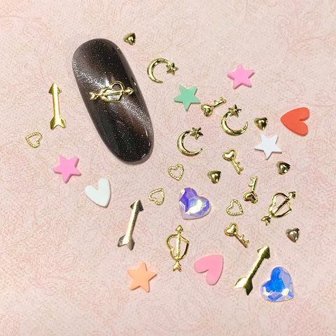 Valentine's Day Nail Art Wheel / 12 Decors Metal Studs Heart Key Arrow