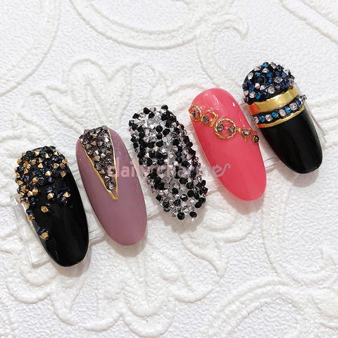 Swarovski Crystalpixie Edge / Electric Touch 2017 New Fall Winter Nail Art Trend