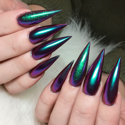 Chameleon Mirror Chrome Nails by @nailfuel Daily Charme Powder