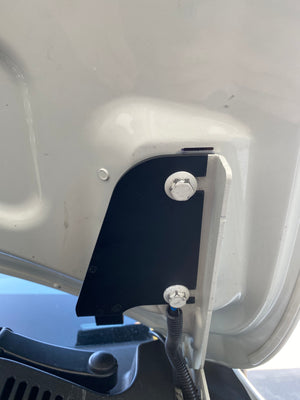 VW Touareg (T2) Hood Light Bracket