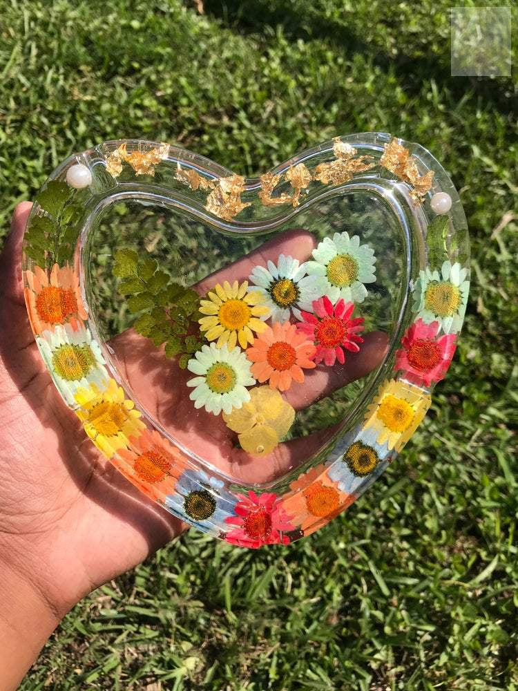 I 💛 Daisy's Resin Ashtray