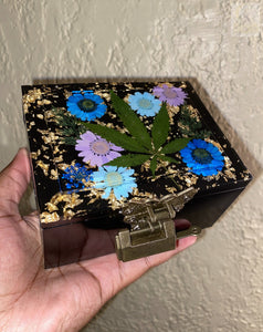 Black Stash Box / Trinket Box w Key ( Read Description )