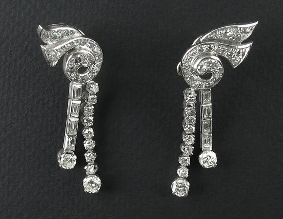 Art Déco platinum and diamond earrings, 1935 c.a.