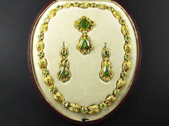 Victorian gold and peridot parure, 1850 c.a.