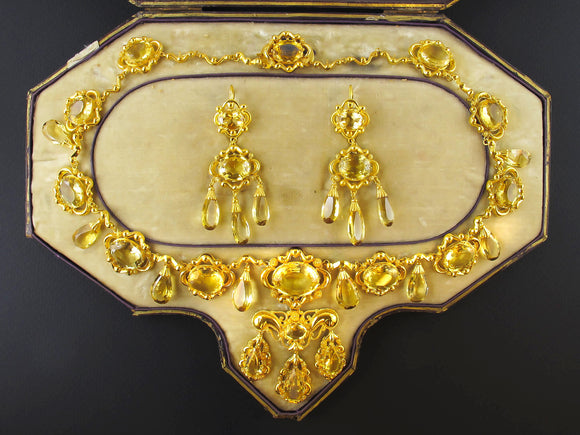 A Georgian XIX Century gold and citrine parure.