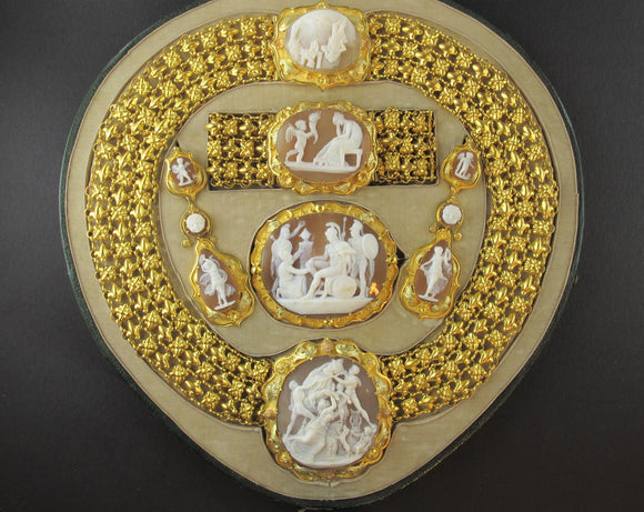 A XIX Century yellow gold and Italian cameo parure.