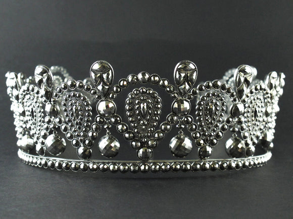 Extraordinary Georgian Cut-steel Parure with Tiara, 1830 c.a.