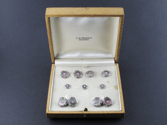 Art Déco yellow gold, platinum, enamel, mother of pearl and diamond buttons and cufflinks set