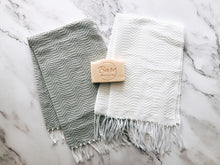Load image into Gallery viewer, Trambia inabel hand towels