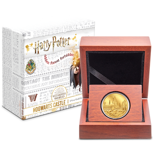 HARRY POTTER™ - Hogwarts Castle 1/4oz Gold Coin Packaging
