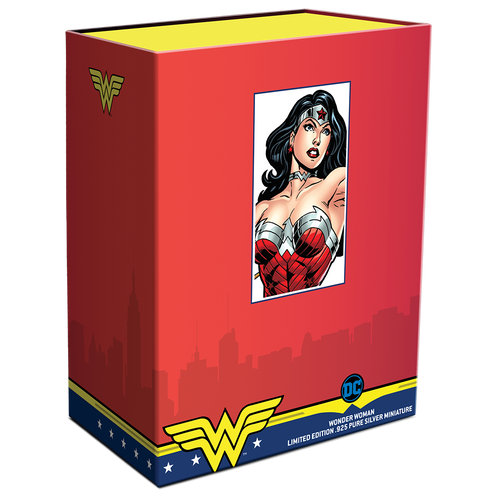 WONDER WOMAN™ 135g Silver Miniature Box Closed