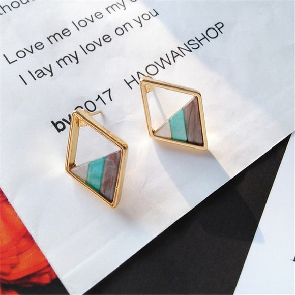 Helga Earrings - Simply Basy