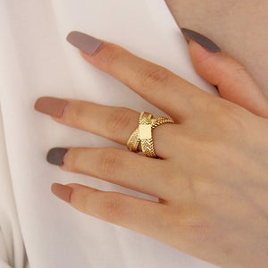 Snake Bone Chain Double Layered Ring - Simply Basy