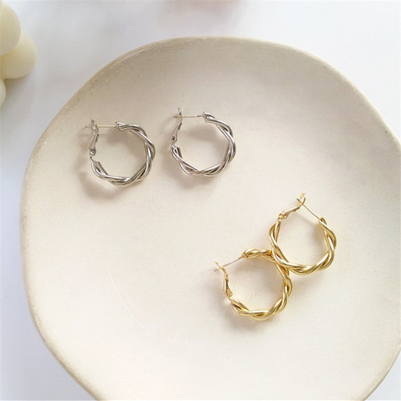 Lydia Earrings - Simply Basy