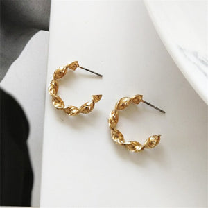 Zairah Swirl Hoop Earrings - Simply Basy