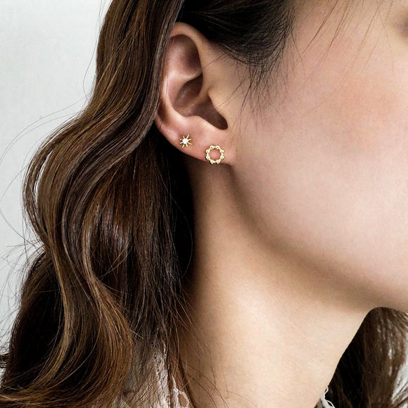 Mini Pearl Round Earrings - Simply Basy