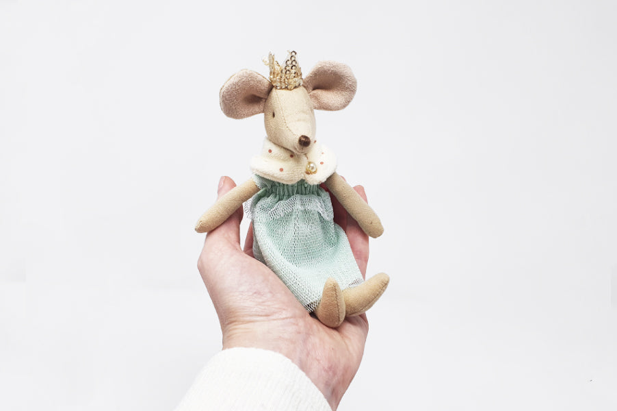 Maileg queen mouse soft toy