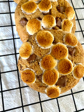 Load image into Gallery viewer, Caramel S'mores Cookies