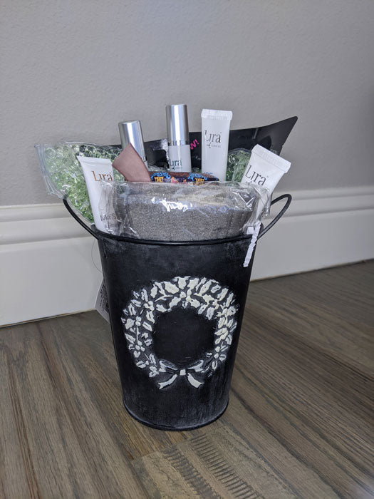 give the gift of beauty and relaxation with this gift basket