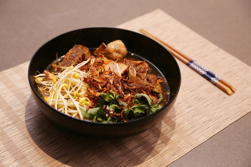Slow-cooked Short Rib Beef Noodle Soup/Pho