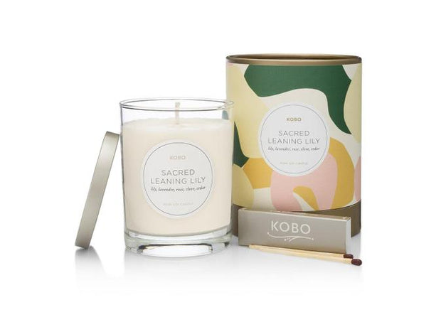 Soy Candle Sacred Leaning Lily - BodyFactory