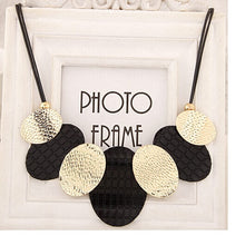 Load image into Gallery viewer, Oval Sheets Collier Pendant Necklace