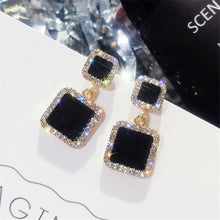 Load image into Gallery viewer, Black Square Geometric Earrings