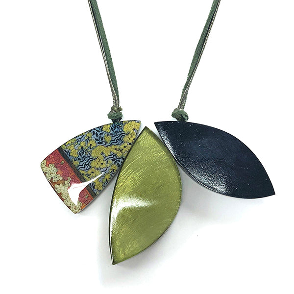 One Button Irregular Green/Navy Triple Leaf Necklace JWR