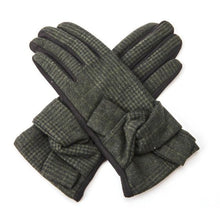 Load image into Gallery viewer, Check Knot Gloves - Accessories