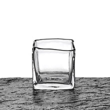 Load image into Gallery viewer, Glass vase, square