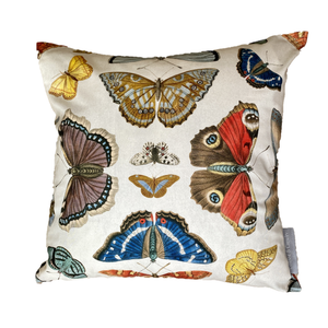 The Mirrored Butterfly Pude